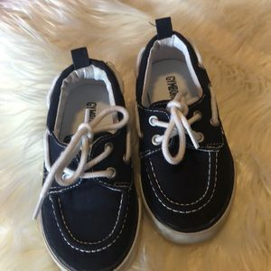 Navy blue Gymboree slip on boat shoes with laces